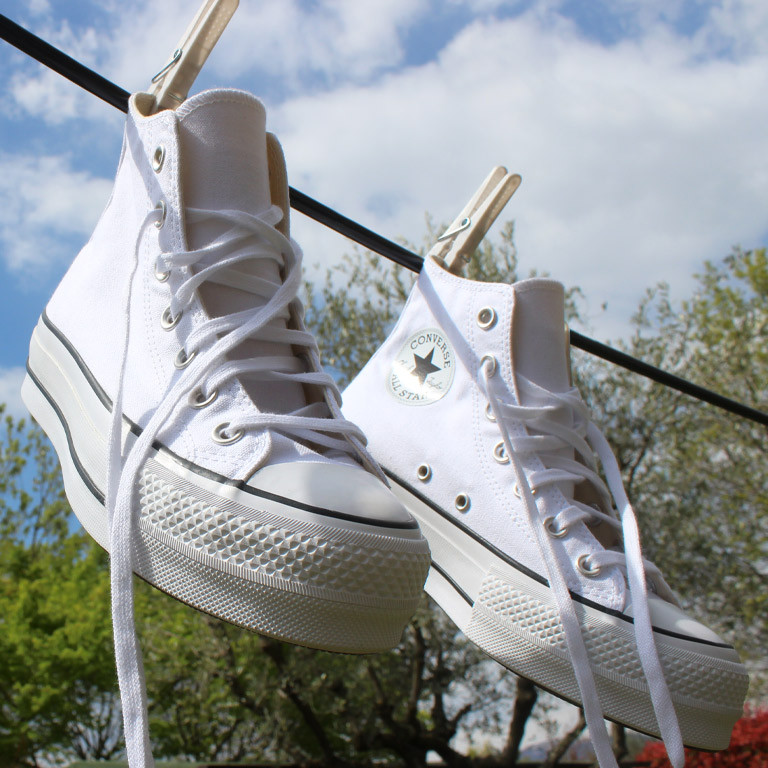 come-pulire-scarpe-bianche-pelle-tela.jpg
